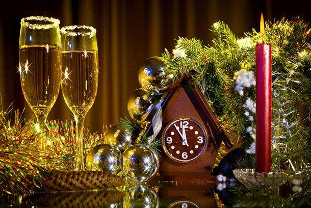 От всего сердца поздравляем вас с наступающим Новым Годом!